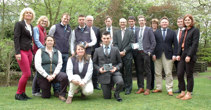 2018-Beef-Shorthorn-Cattle-Society-award-goes-to-University-of-Nottingham's-Henry-Scholefield-2