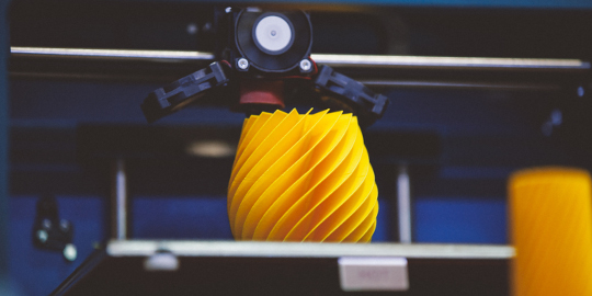 3D printer creates chiselled yellow shape