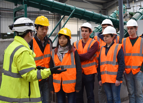 Students-on-visit-to-Severn-Trent-Water
