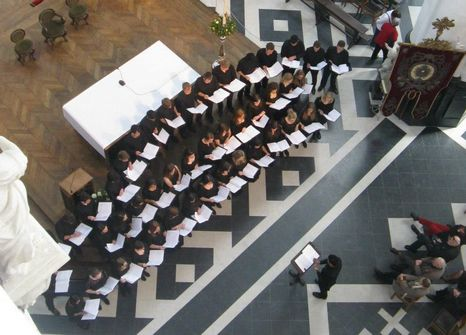 choir-performance-aerial
