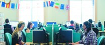 Undergraduate-students-working-in-the-Language-Centre-Trent-Building