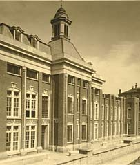 Photograph of the new wing in 1927