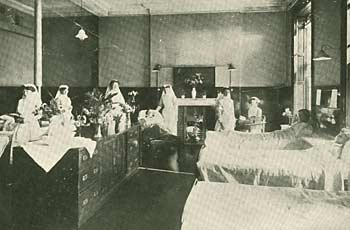 Photograph showing a ward at the Nottingham Hospital for Women, Castle Gate, 1915