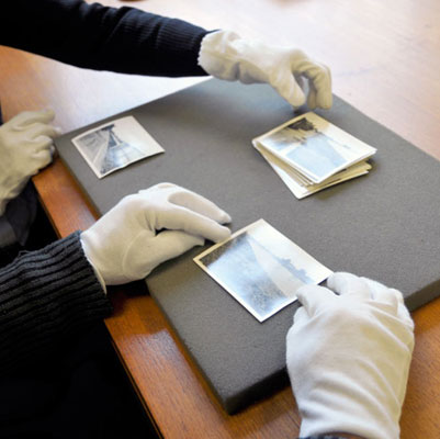 Handling photographic prints