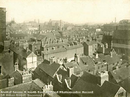 Aeriel view of dense working-class housing in the Narrow Marsh area of Nottingham in 1919.