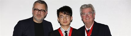 Kangli is awarded his RIBA President's Bronze Medal - 445 x 124