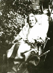 Lydia Lawrence as an old woman