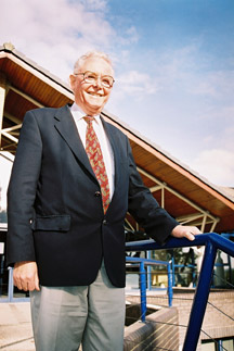 Sir Peter Mansfield outside the Magnetic Resonance Centre
