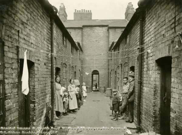 Back To Back Houses : Photographs the university of nottingham