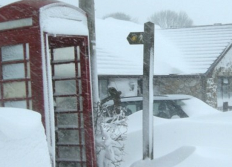 Heavy snow in Eryrys, Wales, March 2013 © Jon Davies