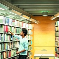 Student using the University library