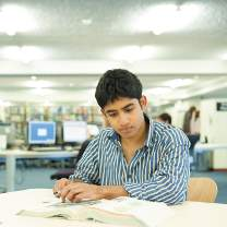 Student studying at Nottingham